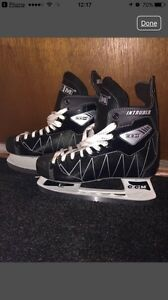CCM SKATES PATINS - size 9 (fits like a 10)