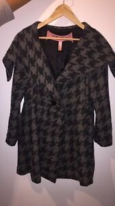 Beautiful Houndstooth Fall/Winter Coat  London Ontario image 1