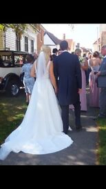 Ivory single tier Chapel length wedding veil