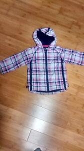 Manteau d'automne mauve à carreaux 2 ans