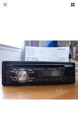 Pioneer DEH 2300UBB stereo with front USB and front aux port