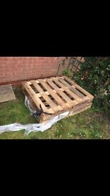 4/5 wooden pallets free to collect from Thorpe Astley braunstone Leicester