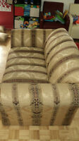 Loveseat/causeuse in very good condition