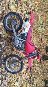 Honda 2004 250cc dirt bike
