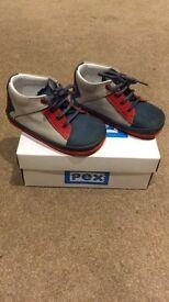 Infant Boys Shoes Size 5 (PEX)