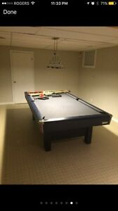 Brunswick pool table ( 3 peace slate)