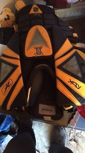 Selling goalie chest protector!!