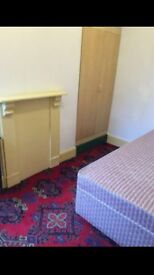 Cheap room to let £125 pp