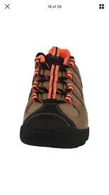 Clarks outdoor women shoes size 4,5 D