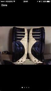 "Simmons made in Canada like new 29"" ice hockey goalie pads"