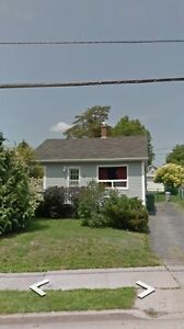 Home to share in central Dartmouth location close to bridges