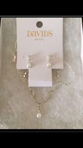 David's Bridal Pearl and Crystal Jewellery Set