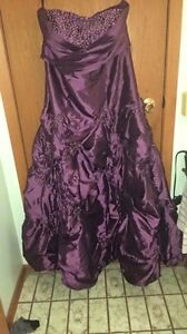 Grape strapless grad dress