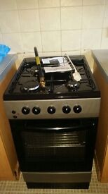 LIKE NEW! GAS COOKER EXCELLENT CONDITION