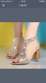 Womens gold shoes - sandals 6
