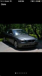 BMW 525i LUXURY SEDAN