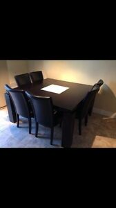"Square table ( 60"" x 60"" -5x5ft ) **** NO CHAIRS**** West Island Greater Montréal image 1"