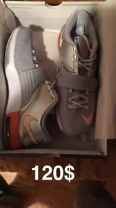 Nike kds mens size 10.5 new