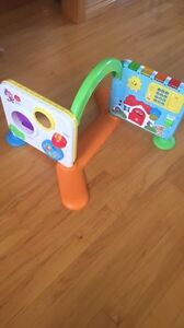 Sit and stand play Center