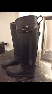 Like New! Burberry Belted Equestrian Rain Boots