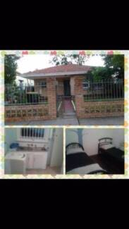 Near East Perth Stn/ Free Zone (Wanted girl or couple roommate!) East Perth Perth City Preview
