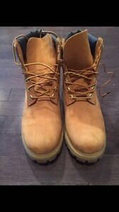 Mens 8.5 Like-New Timberland Boots