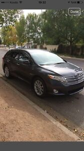 2009 Toyota Venza low km 16.900$n1000$ discount onl this weekend