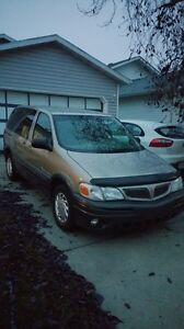 2001 Pontiac Montana in great shape and low Kms