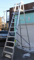 Escabeau sur roues échelle  ladder  stepladder on wheels