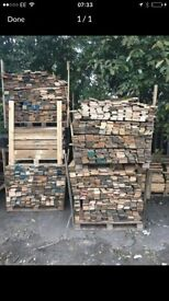 500 PIECES PALLET WOOD (1 metre by 3 inches)