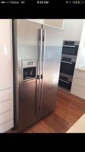 Westinghouse 690 liter stainless steel side by side fridge,can de Parramatta Parramatta Area Preview