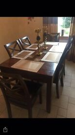 Expandable dinning table and 6 chairs