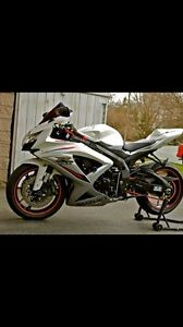 Very Clean 2009 750 gsxr with low km $7000 obo or trade for atv