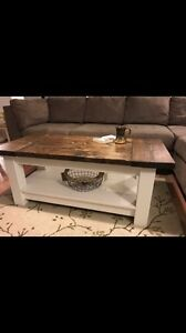 Farmhouse coffee table - new