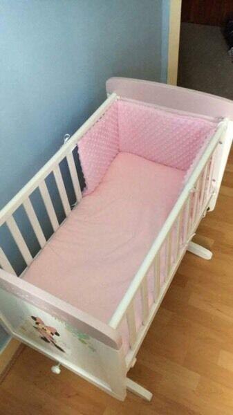 Minnie Mouse Crib