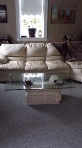 Coffee table and end table Cambridge Kitchener Area image 1