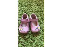 Clarks baby shoes 2f