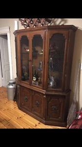 Hutch/Buffet (can be detached)