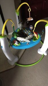 Exersaucer in excellent condition like new