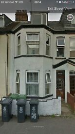 5 self contained flats in Great Yarmouth