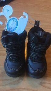 Brand New Size 4 Winter Boots