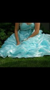 ATTENTION GRADS: beautiful grad gown $100