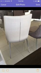 4 dining room chairs  London Ontario image 4