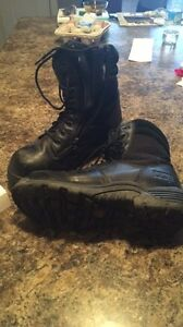 Steel toes boots