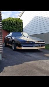pontiac trans am  1984 v8 5.7L 5speed