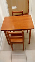 littile table with two chairs