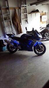Mint 2003 Yamaha yzf r6!
