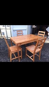 Wood table +4 chairs