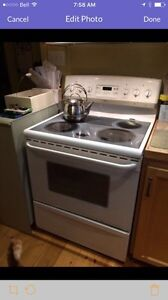 Frigidaire Gallery Stove (for camp or cottage)