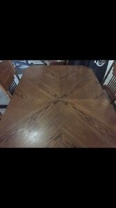 Urgent! Must go. Solid wood country dining/6 chairs Windsor Region Ontario image 2